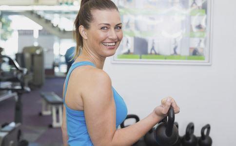 怎么步行瘦身 怎么步行锻炼强度可达到健身效果 步行锻炼有哪些注意事项