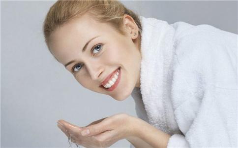 孕期洗澡有什么好处 孕期妈妈怎么健康洗澡方法 孕期洗澡有哪些注意事项