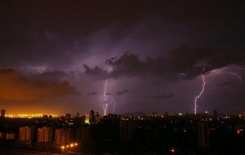 雷雨天气健康 雷雨天气有什么保健要点 雷雨天气怎么做更健康