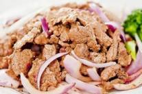 抗癌食谱:洋葱泡椒炒牛肉