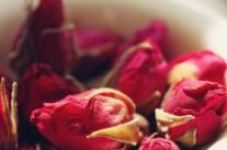 抗癌食谱:玫瑰乌豆泥鳅汤