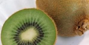 秋季嘴唇干燥起皮吃什么水果好