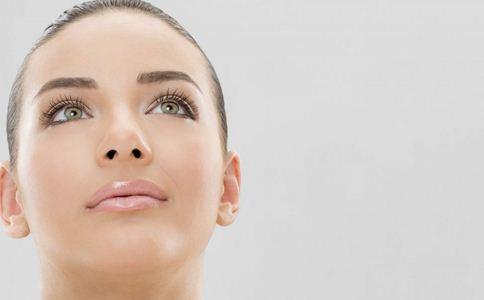 面部皮肤干燥脱皮_皮肤干燥脱皮怎么办_手脱皮是怎么回事