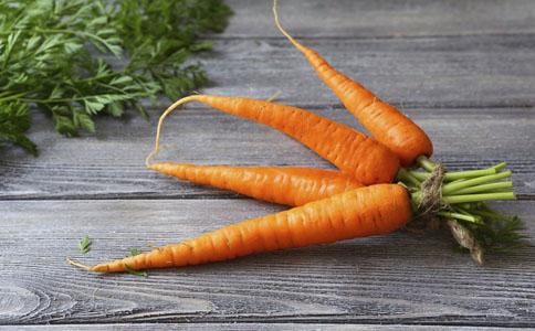 它含β胡萝卜素,可以抗氧化和美白肌肤