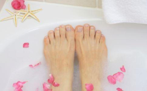冬季手脚冰凉怎么办 改善手脚冰凉的方法 中医如何改善手脚冰凉