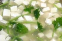 更年期养生食谱之绿叶豆腐羹