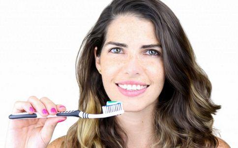刷牙要注意哪些 什么时间刷牙好 刷牙的最佳时间