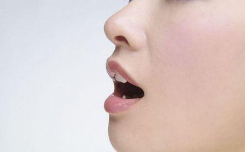 冬季唇部如何护理 冬季唇部护理的方法有哪些 冬季唇部如何保养呢