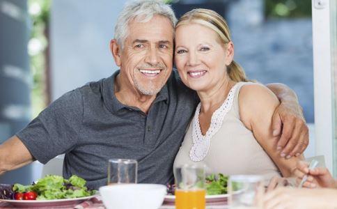老人口腔保健的7个误区