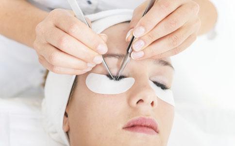 眼部如何保养 30岁女性的眼部保养 女性要如何保养眼部