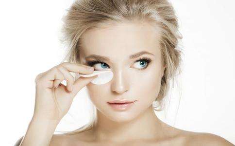 30岁眼部如何保养 眼部保养的方法 眼部要怎么保养