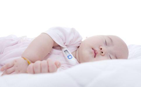 宝宝退烧图片_棒棒猪宝宝退烧贴退热贴高烧应急保护大脑1