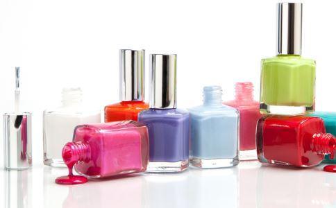 女性常涂指甲油的危害 常涂指甲油的危害 涂指甲油的危害
