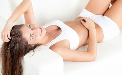 睡前如何护理肌肤 睡前如何保养肌肤 睡前保养肌肤的护理