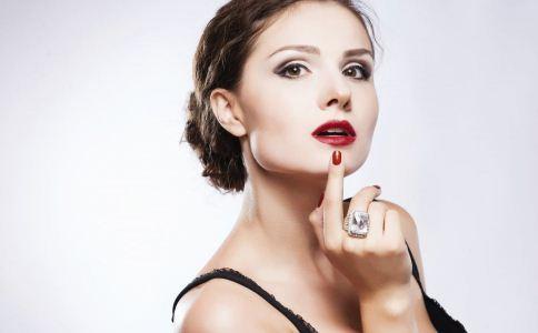 口红铅超标危害大 口红铅超标 口红铅超标的危害