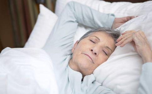 老人睡眠不好怎么办 睡眠不好如何改善 改善老人睡眠不好的饮食
