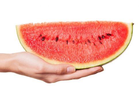 夏天吃西瓜的禁忌 西瓜的营养价值 吃西瓜的好处
