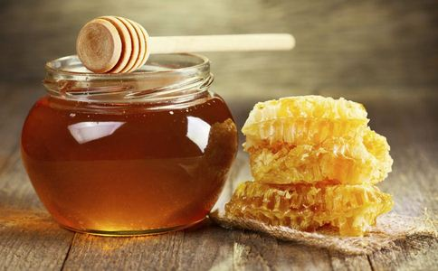 蜂蜜柚子茶的功效 蜂蜜柚子茶有哪些功效 蜂蜜柚子茶有什么营养