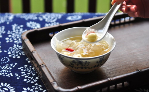 经期吃红枣好吗 经期吃什么好 经期饮食禁忌
