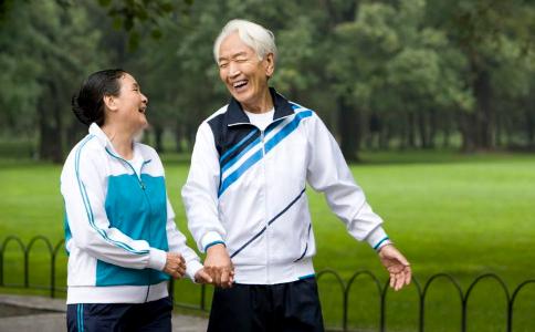 跳舞有益老年人健康 跳舞的好处 老人跳舞的好处