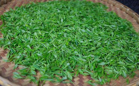 夏天喝绿茶的14个好处