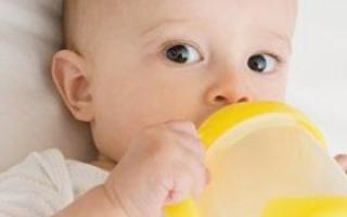 关于宝宝喝水的那些事 看这里_0-1岁护理_育儿_99健康网