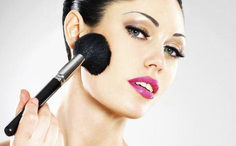 做隆鼻手术需要多少钱 隆鼻手术包括哪几项 隆鼻手术的材料