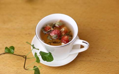 女性喝养生茶的好处 喝玫瑰花茶能改善色斑吗 玫瑰花茶对女性的作用