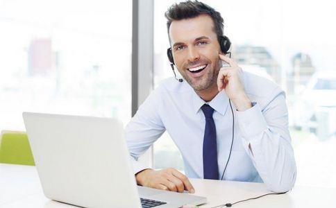 长期坐办公室的锻炼方法有哪些 哪些是长期做办公室比较有效的健身方法 久坐办公室该如何锻炼