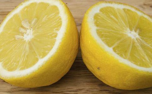 柠檬水能用热水泡吗 柠檬水的作用 柠檬水的功效