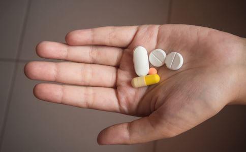 哪些药不能进冰箱 哪些剂型药不能冷藏 各类剂型药的错误保存方法有哪些