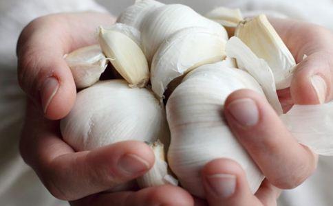 大蒜的功效与作用 大蒜的吃法 大蒜食谱