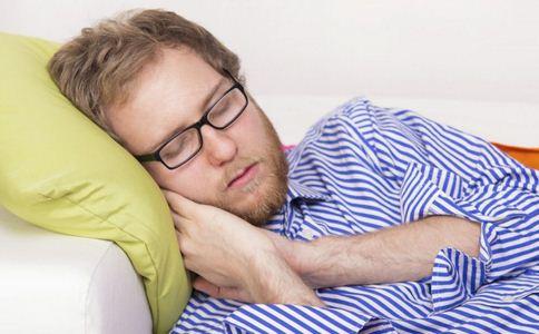 哪些原因会引起打呼噜 经常打呼噜怎么回事 引起打鼾的原因有哪些