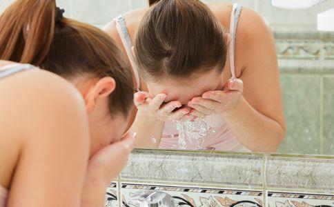 熬夜后如何护理皮肤 熬夜后护理皮肤方法 熬夜皮肤护理方法有哪些