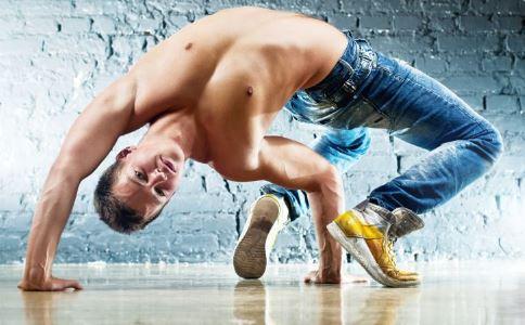 男性健身有什么规则 男性健身有什么办法 男性健身锻炼的几个部位