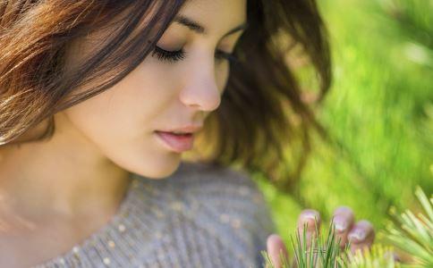 多囊卵巢综合症的病症特点有哪些 多囊卵巢综合症病症特点是什么 多囊卵巢综合症有什么特点