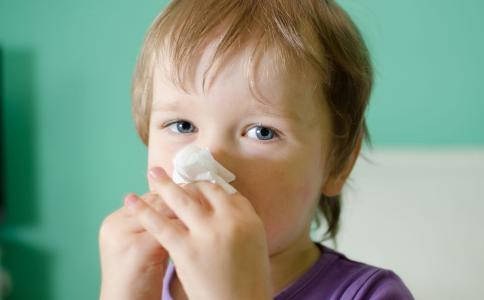 宝宝入秋后如何预防感冒 宝宝秋季感冒如何预防 宝宝预防感冒要注意哪些事项