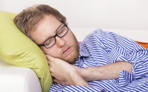 枕头太硬太高的坏处 枕头太软太低的坏处 枕头弹性过强的坏处