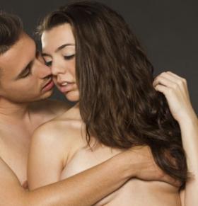 经期同房会导致不孕吗 经期同房的危害 经期同房好吗