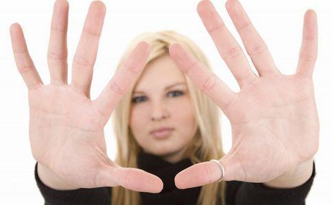 手部保养 怎么保养手部皮肤 如何保养手部皮肤