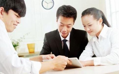 求职面试时哪些事不能做 求职面试时要避免哪些错误 求职面试时注意事项