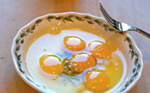 宝宝不喜欢吃蛋黄 宝宝不吃蛋黄怎么办 小宝宝不吃蛋黄