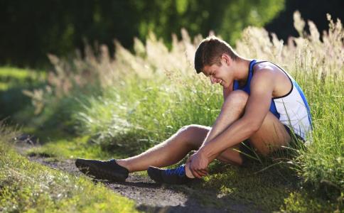 膝关节退行病变是怎么引起的 膝关节退行性病变怎么治疗,膝关节退行性病变有什么危害