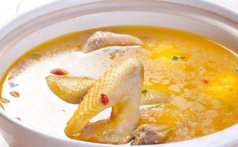 煲汤时间 汤要煲多久 煲汤多久最营养