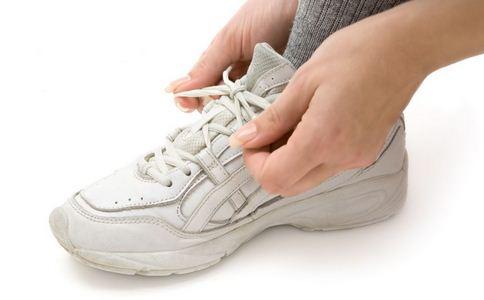 擦皮鞋的方法 皮鞋怎么擦 皮鞋的保养方法