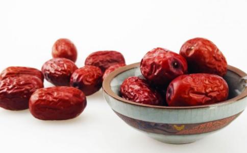 吃枣有什么好处 警惕吃枣的禁忌 吃红枣对身体有哪些好处