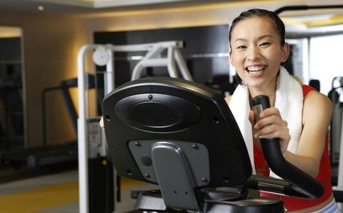 使用跑步机的安全注意事项 上跑步机的注意事项 健身注意事项
