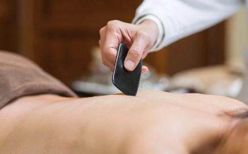 中医刮痧 刮痧方法 感冒刮痧刮哪里