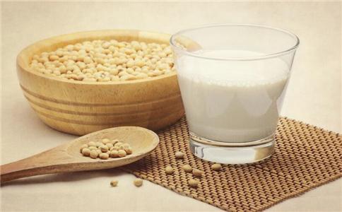 女性月经期喝豆浆好吗 女性月经期喝豆浆的好处 女性月经期喝豆浆适合吗