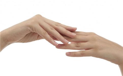 手脚冰凉怎么办 手脚冰凉怎么改善 中医如何调理女性手脚冰凉